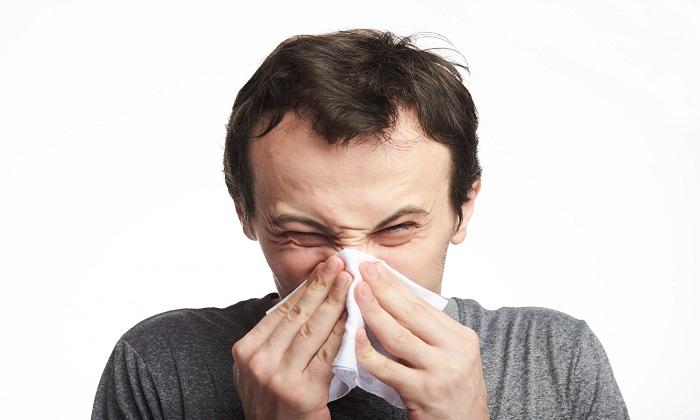 11 دلیل گرفتگی بینی و چگونگی درمان آن