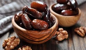 ۱۱ فایده مصرف خرما در ماه رمضان