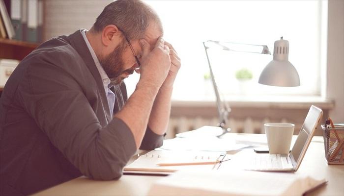 15 نشانه ظریف استرس مزمن
