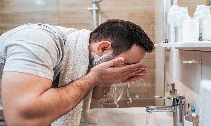 ۶ نکته برای پاکسازی و پرهیز از گرفتگی منافذ پوست بینی