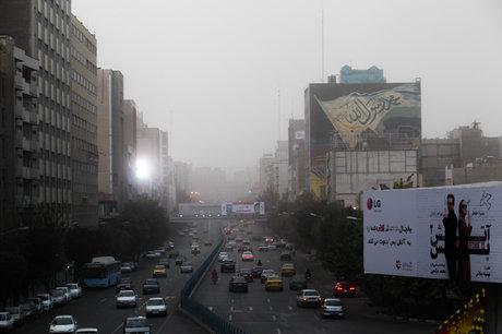 آسمان تهران غبارآلود میشود