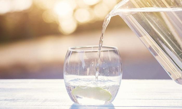 آغاز روز با یک لیوان آب! / فرمولی برای سلامتی