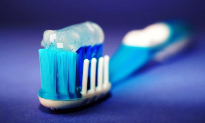 آیا محصولات سفید کننده به دندان ها آسیب میزنند؟