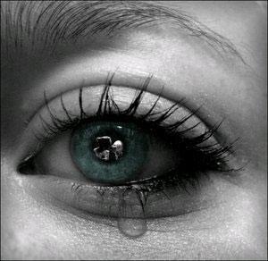 اشک سه حرف ندارد کلی حرف دارد