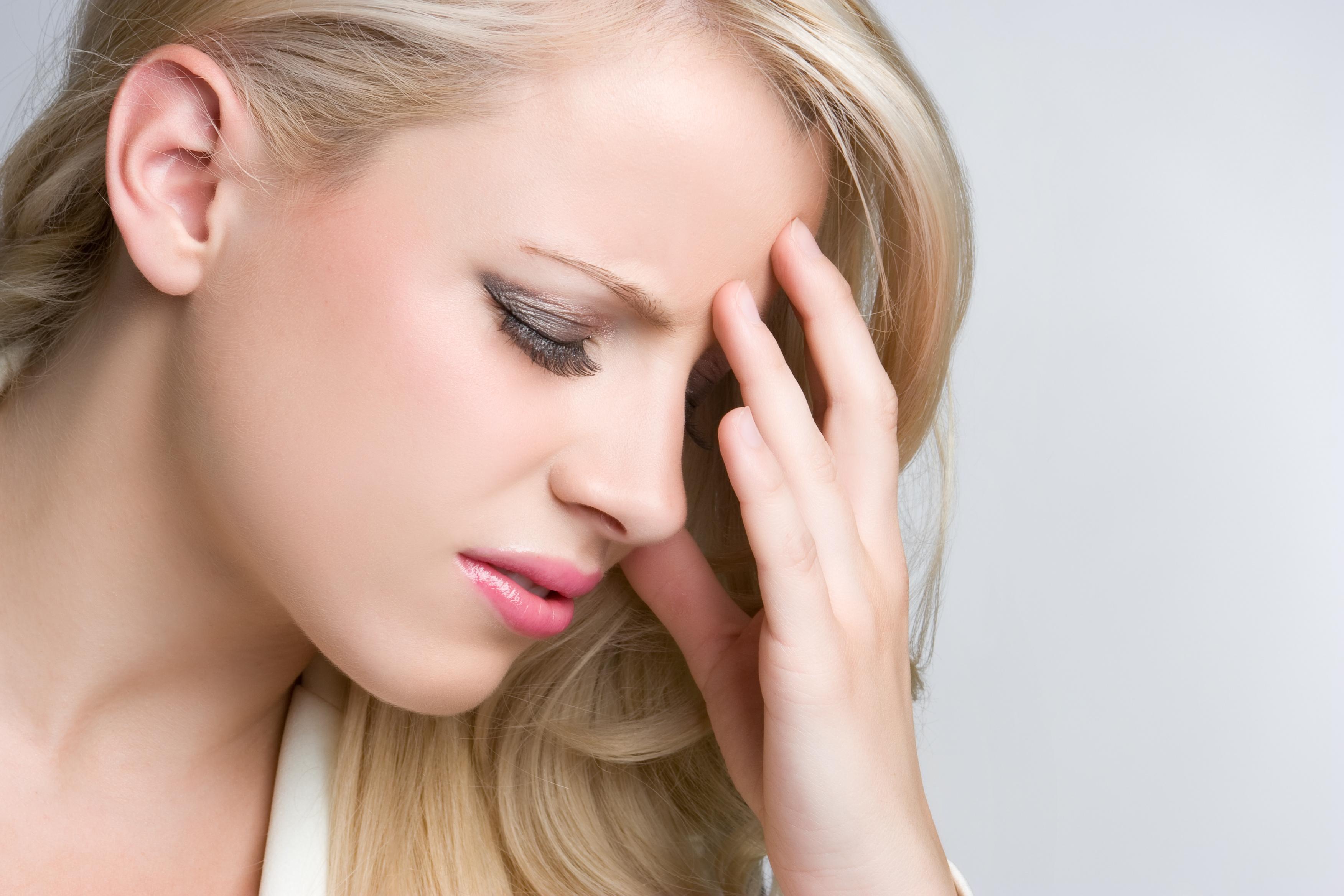 انواع سردرد و راه های درمان خانگی سردرد شدید