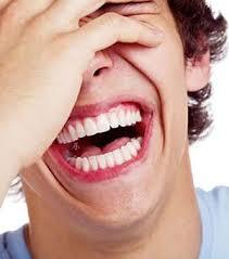 """تاثیر """"خندیدن به خود"""" روی سلامتی"""