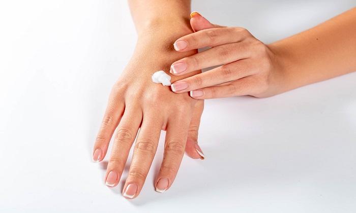 پوست خشک در برابر پوست کم آب؛ تفاوت در چیست؟