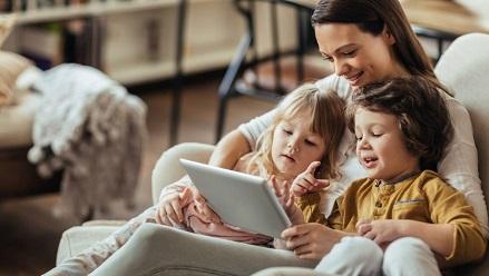 توصیه هایی به والدین برای مدیریت حسادت های فرزندان شان به یکدیگر