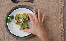 توصیههای غذایی برای زنان بالای ۴۰ سال