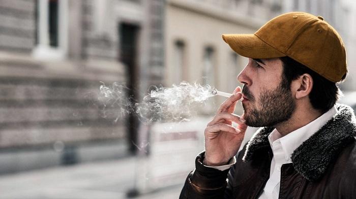 آثار سیگار بر سلامت دهان و دندان