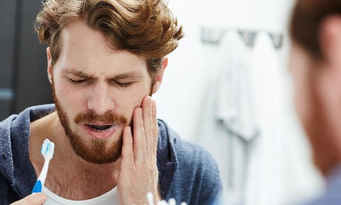 13 نشانه هشدار از دهان