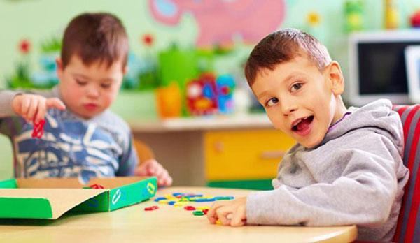 قرنطینه بر کودکان اوتیسم و سندروم داون چگونه می گذرد