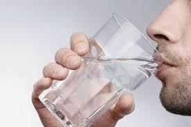چرا در ماههای سرد سال باید بیشتر آب بنوشیم؟