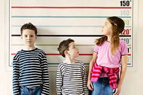 چگونه می توانیم به افزایش قد کودکانمان کمک کنیم
